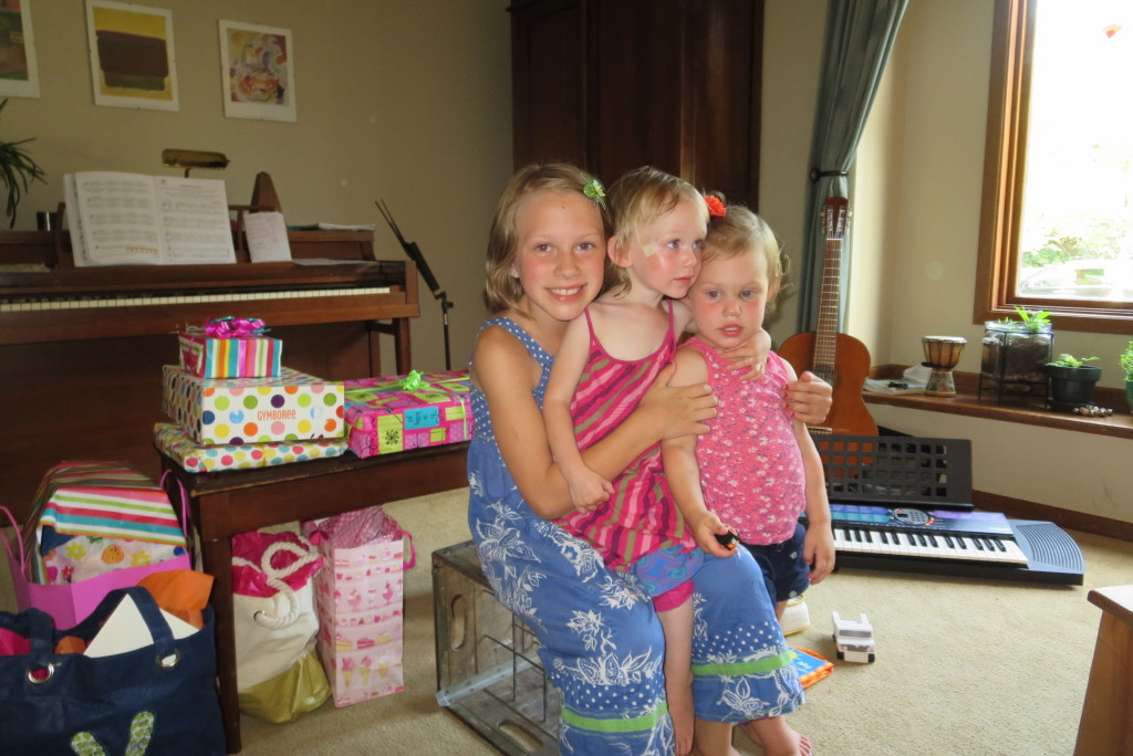 Mari, Lucia, and Madelyn